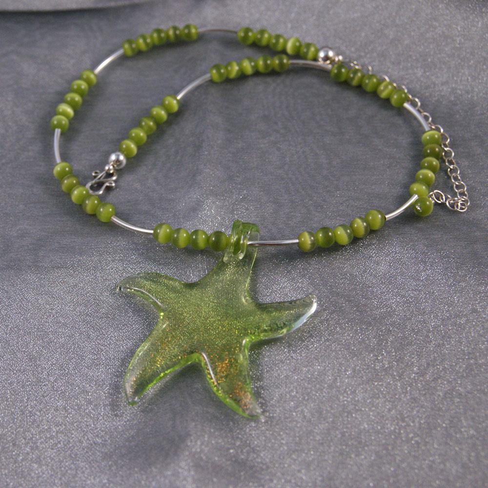 Keväistä väri-iloa Star-kaulakorussa